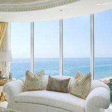 Mediterranean Living Room by ibi designs