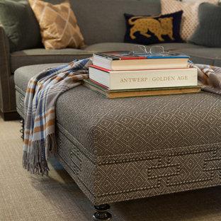 セントルイスの中サイズのトラディショナルスタイルのおしゃれなリビングロフト (白い壁、カーペット敷き、標準型暖炉、石材の暖炉まわり、壁掛け型テレビ、ベージュの床) の写真