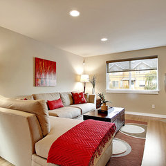 modern living room by Seattle Staged To Sell