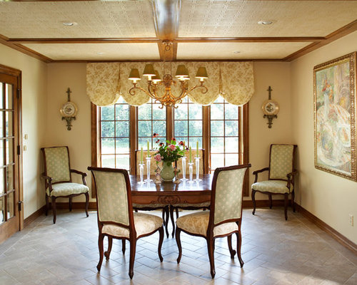 Traditional great room ideas pictures remodel and decor for Traditional great room designs
