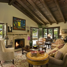 traditional living room by Becker Studios