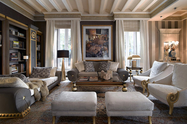 Traditional Living Room by COLECCION ALEXANDRA