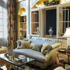Traditional Living Room by Inside Inc