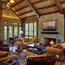 Rustic Living Room by Taylor Lombardo Architects
