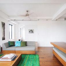 Modern Living Room by Studio Garneau