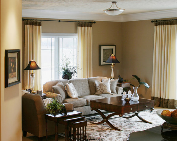 Traditional Living Room by Cindi B.Jones
