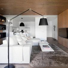 Modern Living Room by Opad