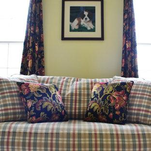 Elegant living room photo in Philadelphia