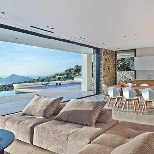 Mediterranes Wohnzimmer in Sonstige