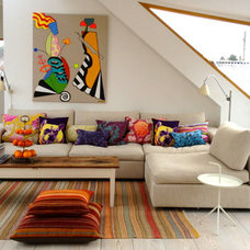 contemporary family room Cosy sofa