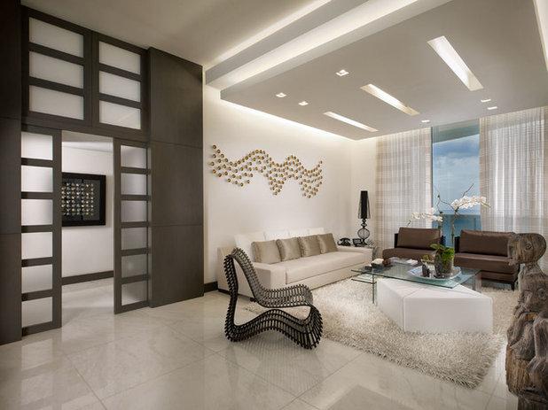 Contemporary Living Room by Guimar Urbina Interiors, Corp.