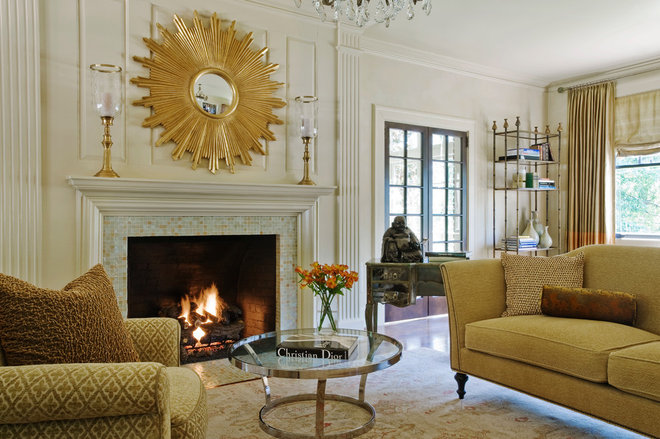 Traditional Living Room by Panageries