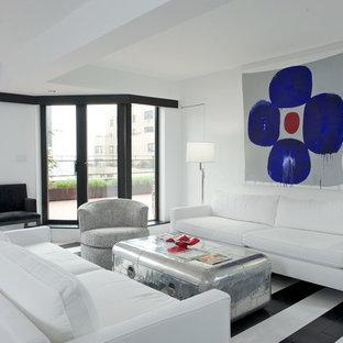 Esempio di un soggiorno design di medie dimensioni e aperto con pareti bianche, pavimento in legno verniciato, sala formale, nessun camino, nessuna TV e pavimento multicolore