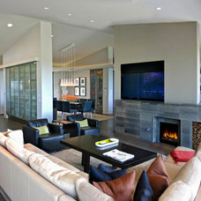 Midcentury Family Room by David M. Sanders, Architect