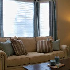 Traditional Living Room by Yoko Oda Interior Design