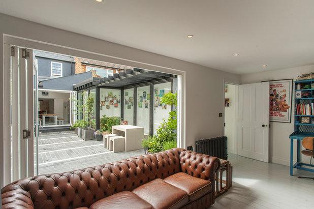 Living Room by Morgan Harris Architects Ltd