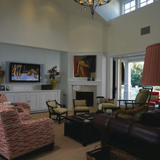 Traditional Living Room by Harte Brownlee & Associates Interior Design