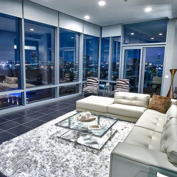 Upper Kirby Highrise Condo