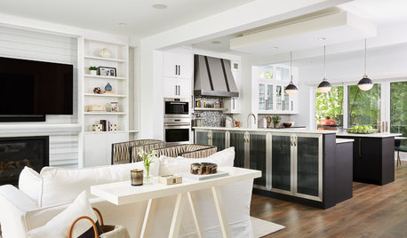 New Black-and-White Kitchen Has All the Bells and Whistles