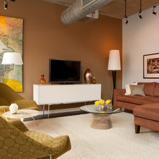 Midcentury Living Room by Vastu