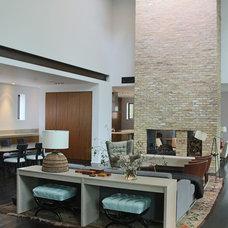 Modern Living Room by Booth Hansen