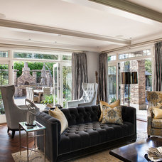Traditional Living Room by Teragon Developments & Construction Inc.
