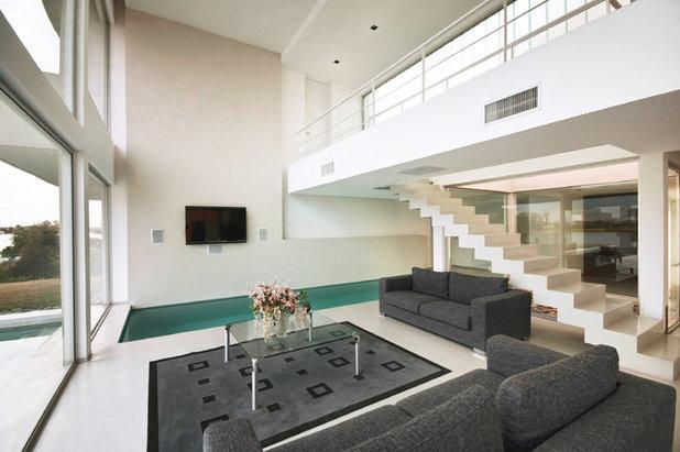 コンテンポラリー リビング by Vanguarda Arquitectos