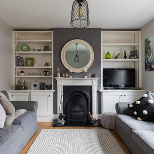 Photo of a rustic living room in Surrey.