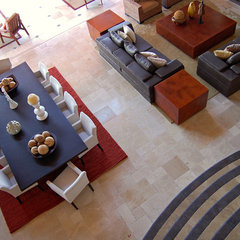 mediterranean living room by DIAZ DE LUNA SIGNATURE