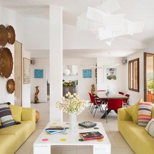 ロンドンの広いコンテンポラリースタイルのおしゃれな独立型リビング (フォーマル、白い壁、セラミックタイルの床、暖炉なし、テレビなし) の写真