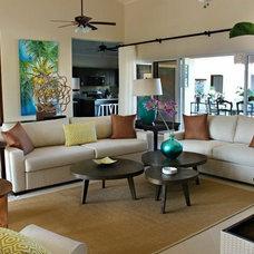 Tropical Living Room Villa Camara