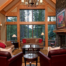 Traditional Living Room by Quiniscoe Homes Ltd.