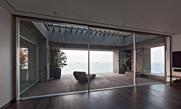Modern Living Room by Abraham John ARCHITECTS