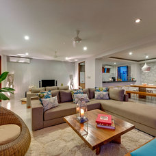 Contemporary Living Room by 4 CORNERS: International Design Concepts, llc