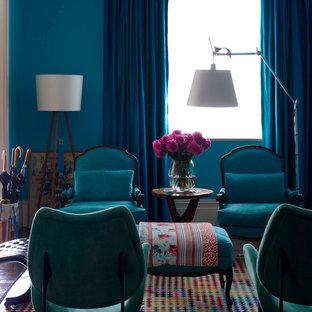 Eklektisches Wohnzimmer mit blauer Wandfarbe in Sydney