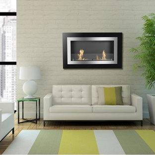 Foto på ett stort funkis vardagsrum, med en hängande öppen spis