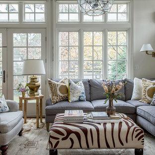 Ispirazione per un soggiorno classico con sala formale, pareti bianche e nessun camino