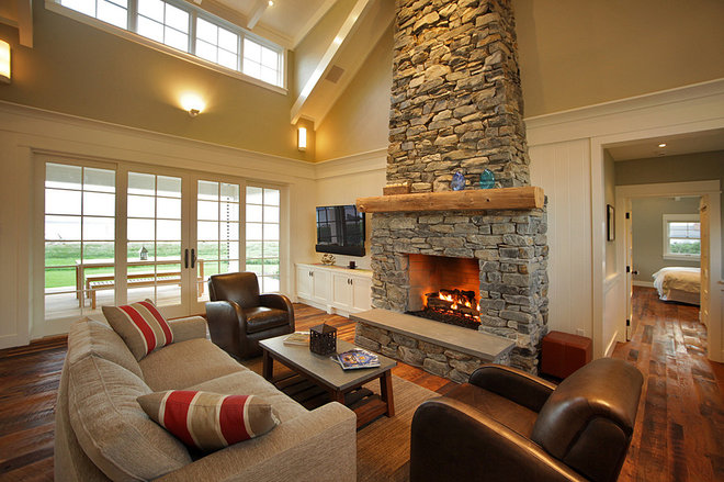 Traditional Living Room by Warmington & North