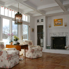 traditional living room by Sapia Builders