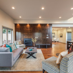 contemporary living room by RD Construction