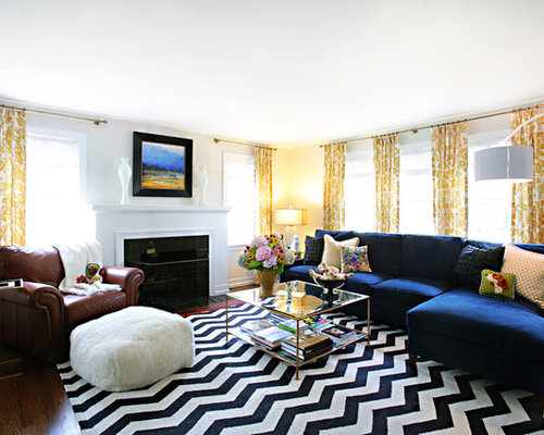 Decorating a blue couch houzz for Navy couch living room
