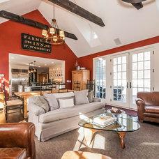 Farmhouse Living Room by Susan Anderson Design,   White Birch Studio