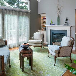 Idéer för ett klassiskt vardagsrum, med grå väggar