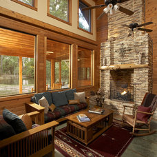 Rustic Living Room by Vacation Home Builders