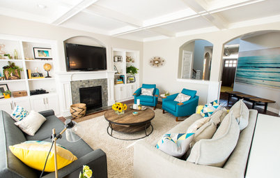 Room of the Day: Contrasts Catch the Eye in a Beachy Family Room