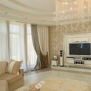 他の地域の大きいトラディショナルスタイルのおしゃれなLDK (フォーマル、黄色い壁、ラミネートの床、標準型暖炉、漆喰の暖炉まわり、据え置き型テレビ、白い床) の写真