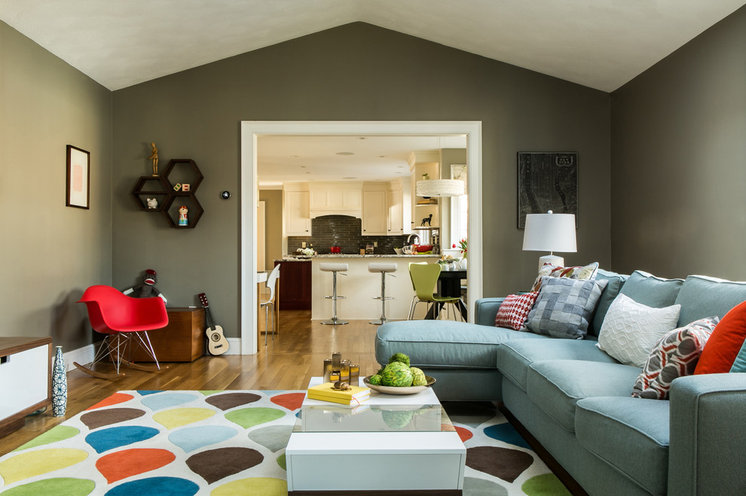 Transitional Living Room by DiStefano Brothers Construction Inc.