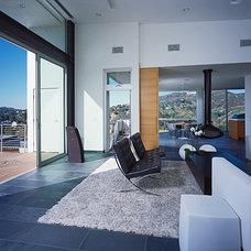 Modern Living Room by LEANARCH Inc.