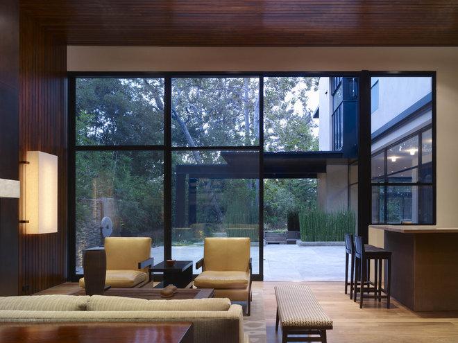 Modern Family Room by Studio William Hefner