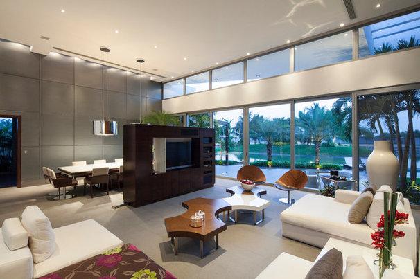 Modern Living Room by Window World S.A.